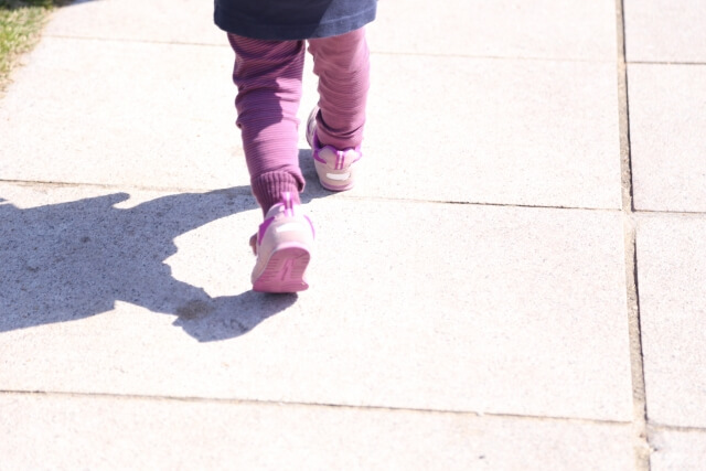 子供用スニーカー